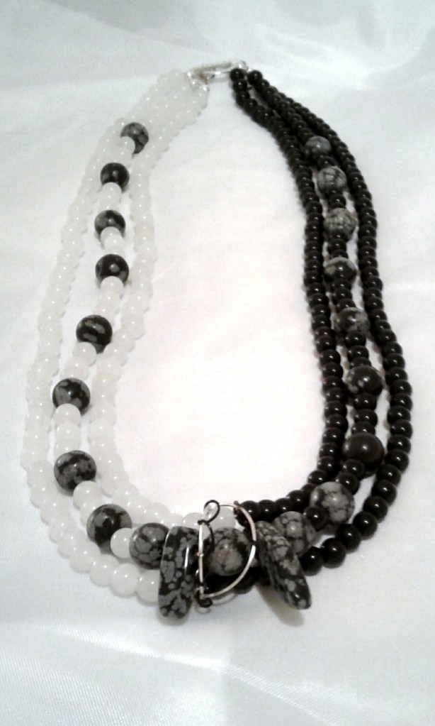 Full frontal shot of the Chiascuro necklace.