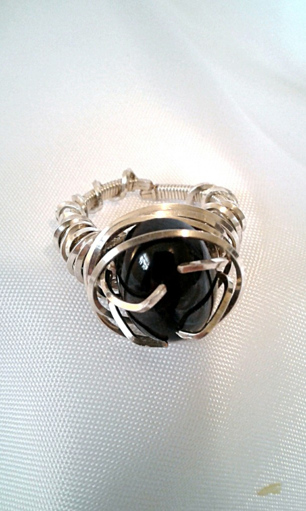 3/4 shot of the Algol ring.